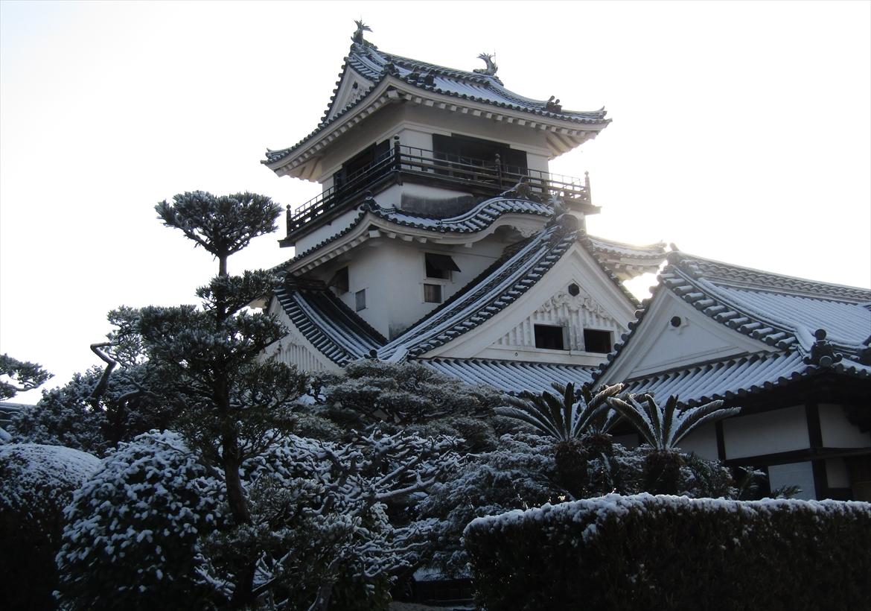 雪景色の高知城